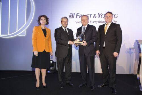 """[Sektör] """"Yılın Girişimcisi"""" ödülü Bozlu Holding'e"""