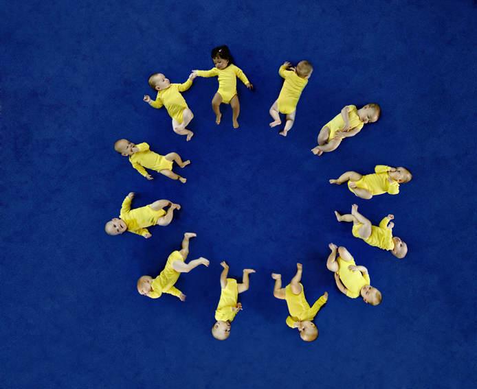 Avrupa'da Doğan Her Bebek Ailesini Zengin Ediyor
