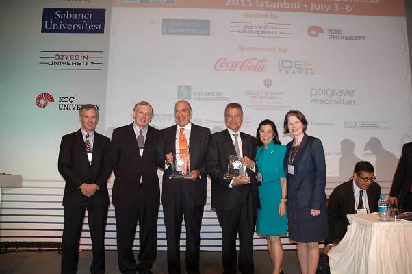 Coca Cola CEO'su Muhtar Kent'e Yılın Uluslararası Yöneticisi Ödülü