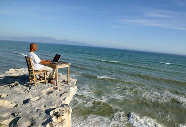 İşkolikler İçin Tatilde Güvenli Çalışmanın Püf Noktaları