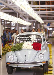 THE LAST VW BEETLE EVER ROLLS OFF PRODUCTION LINE AT PUEBLA PLANT