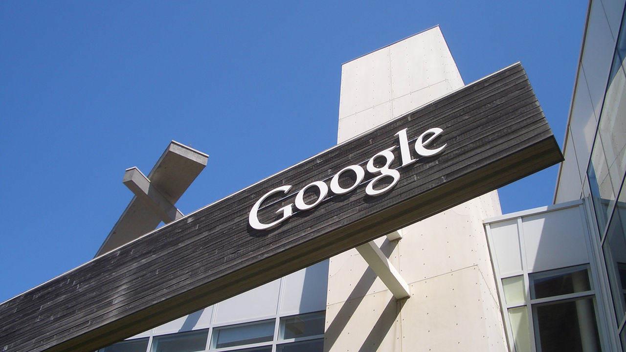 3025518-poster-googlesign