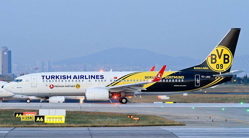 800px-Turkish_Airlines_TC-JHU_Borussia_Dortmund