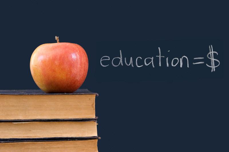 Eğitim Pazarlaması: Ali parayı öde, Ayşe taksidi yatır!