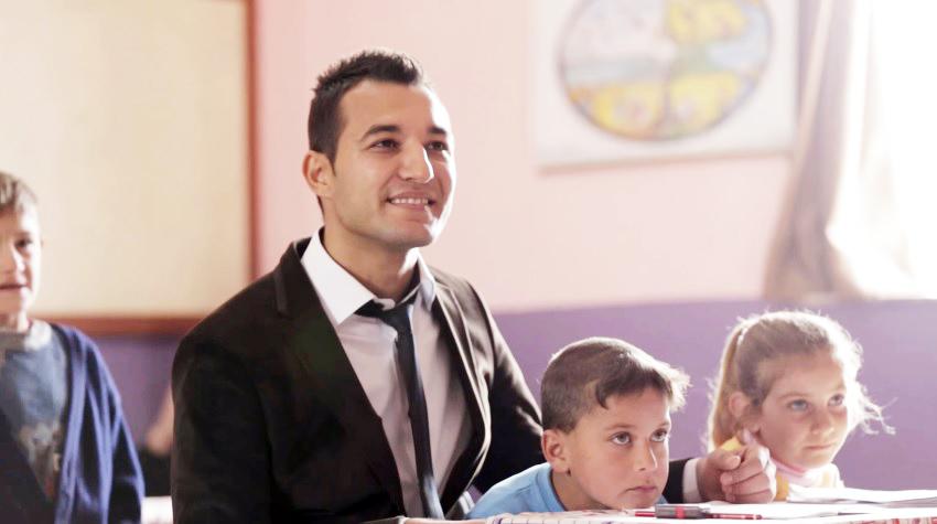 Türkiye'nin Yüzünü Güldüren Gökhan Öğretmene Türk Telekom'dan Sürpriz
