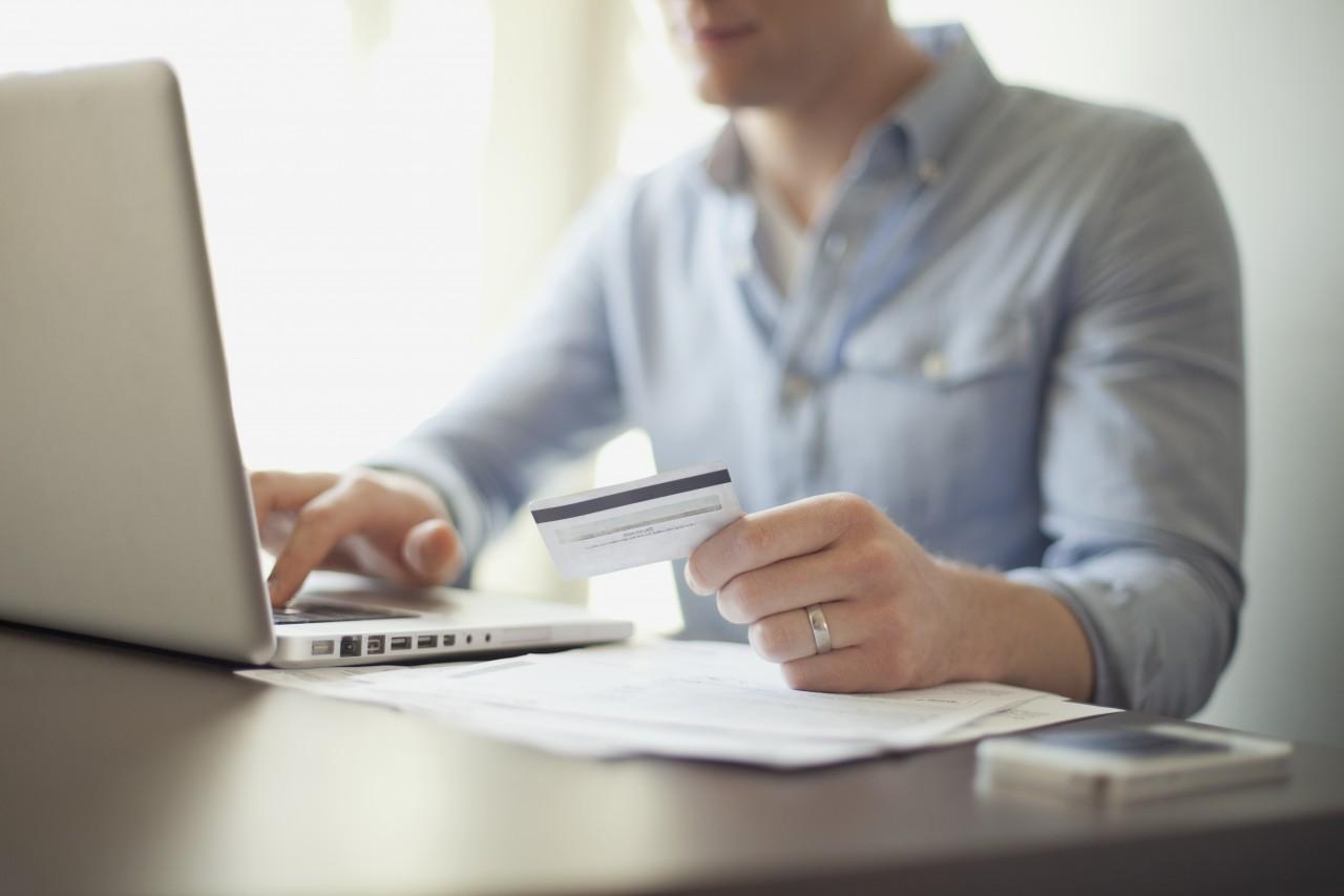 E-ticaret Sitelerinde Kredi Kartı Ödemeleri için Yapılması Gereken 4 Uyarı