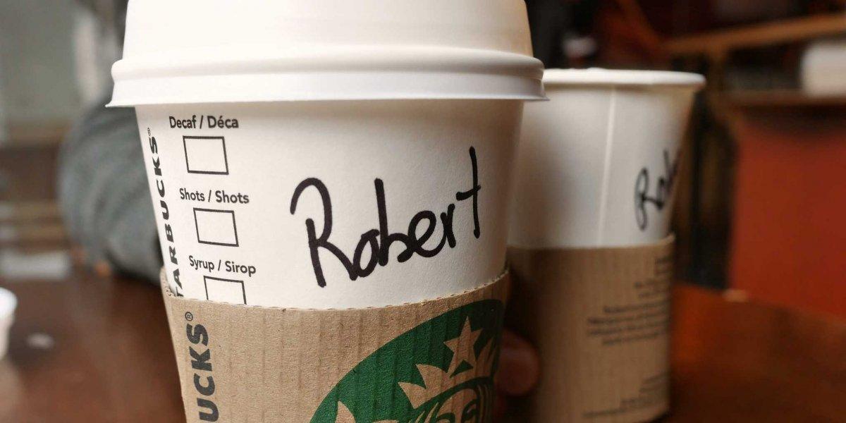 Starbucks İsimleri Bardaklara Bilerek Mi Yanlış Yazıyor