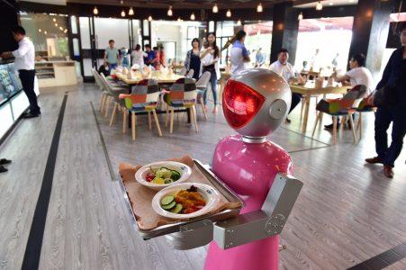 Fast Food Sektöründe Robotlar, İnsanların Yerini Almaya Başladı