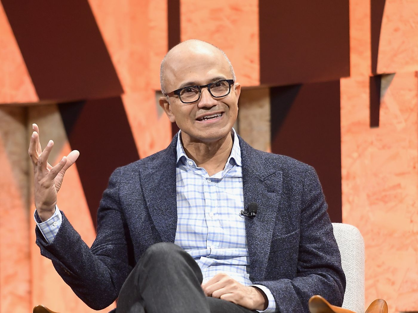 Microsoft CEO'su, Evden Çalışma Düzeninin Sürdürülebilir Olmadığını Düşünüyor