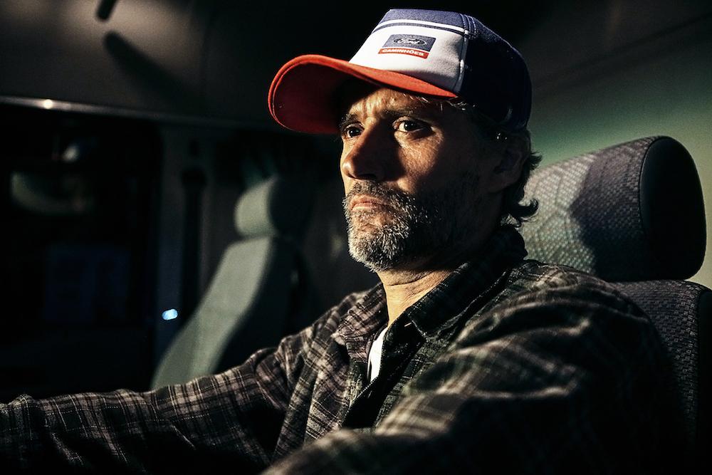 Ford, Kamyon Şoförleri İçin Uyuyakalmayı Engelleyen Akıllı Bir Şapka Tasarladı!