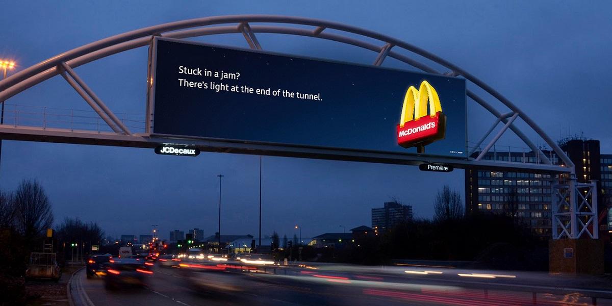 McDonald's ve Trafiğe Göre Değişen Reklam Panoları