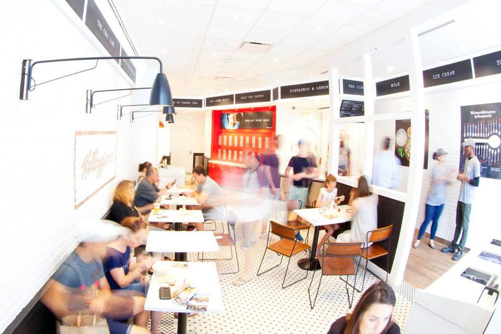 """Kellogg's İlk """"Mısır Gevreği"""" Cafe'sini Açtı!"""