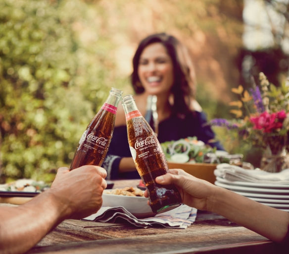 Coca Cola'dan Mirasına Vurgu Yapan İki Yeni Tat: Şeftali ve Ahududu