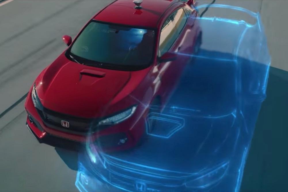 Honda, Gerçek Bir Araba ile Video Oyunundaki Kopyası Arasında Yarış Düzenledi