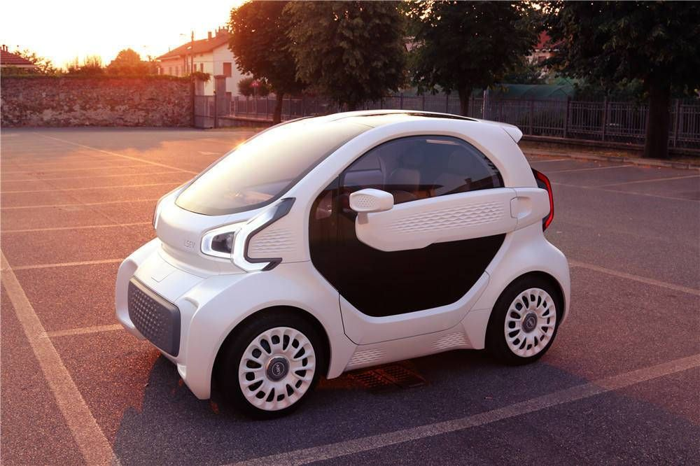 Dünyanın İlk 3B Yazıcıyla Üretilmiş, Seri Üretim Elektrikli Arabası: LSEV