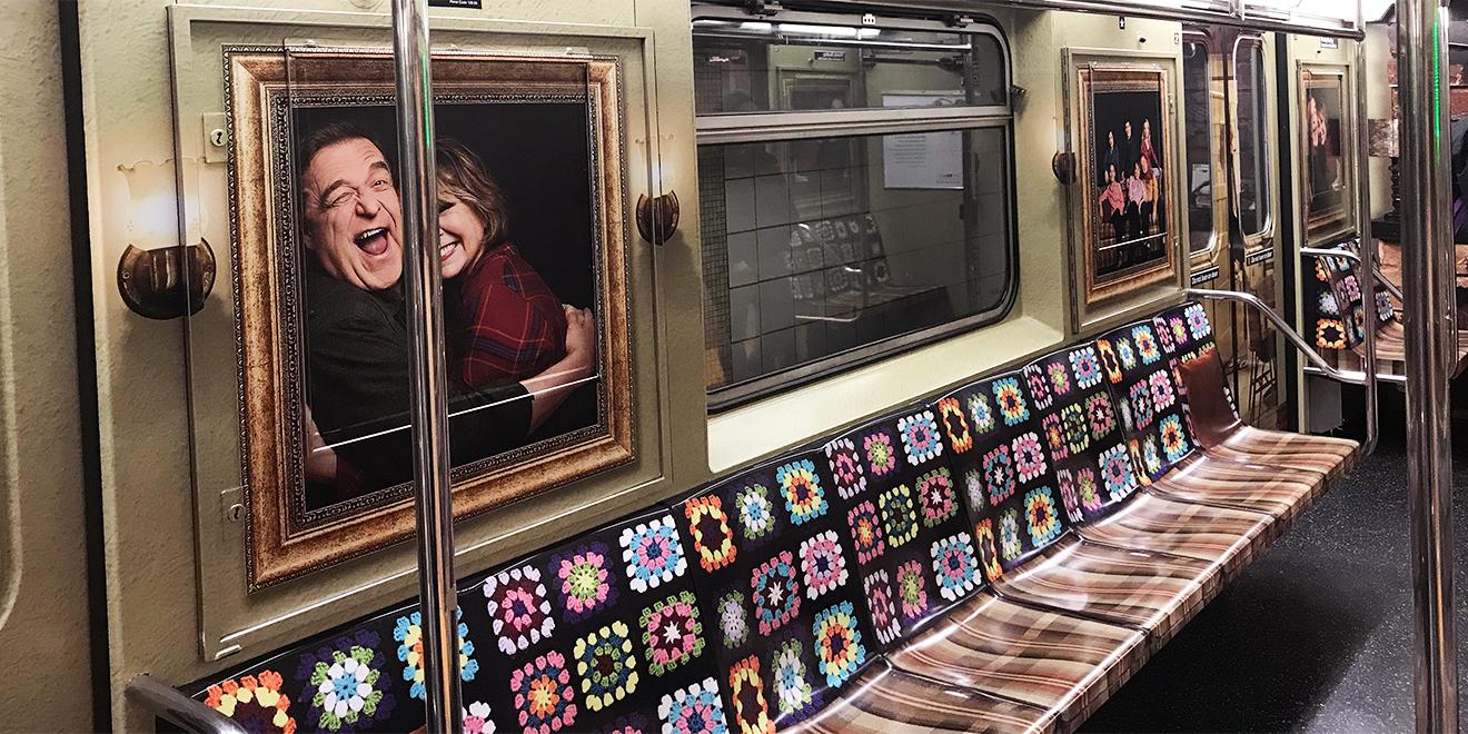 New York Metrosunda Bir Tren İkon Dizi Roseanne'in Oturma Odasına Dönüştü!