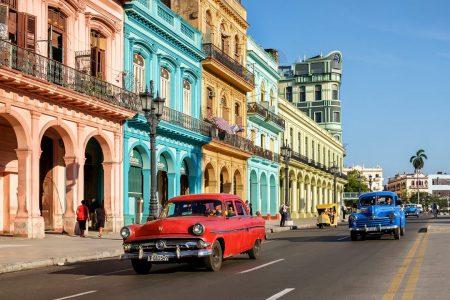 Küba'da Telefonlara İnternet Bağlantısı Geliyor
