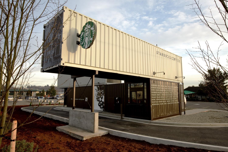 Yeni Starbucks'ların %80'inde Arabaya Sipariş Hizmeti Var
