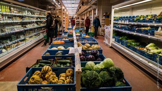 Müşterilerin Aynı Zamanda Çalışan Olduğu Süpermarket Konsepti