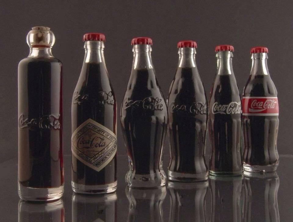 Coca-Cola'nın Cam Şişelerinin Yıllar İçindeki Değişimi