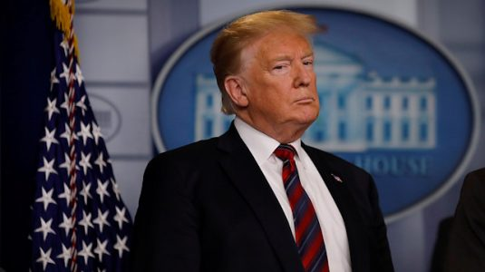 The North Face, Twitter'da Trump'ın Meksika Duvarı Fikrine Gönderme Yaptı