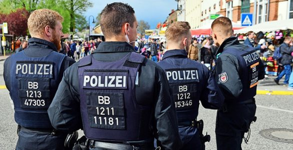 """Berlin Polis Teşkilatı'nın İlginç Sosyal Medya Paylaşımı: """"Memurumuzun Kalbini Çalan Kadını Arıyoruz"""""""