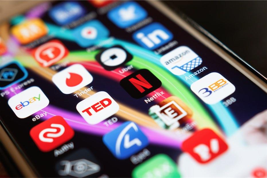 Netflix ve Tinder, Aslında Birbirine Benziyor