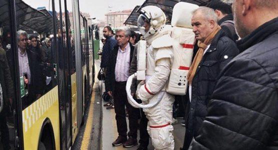 Pasif İçicilikle Mücadelenin Sesi Olan Astronot Virali Çok Konuşuldu