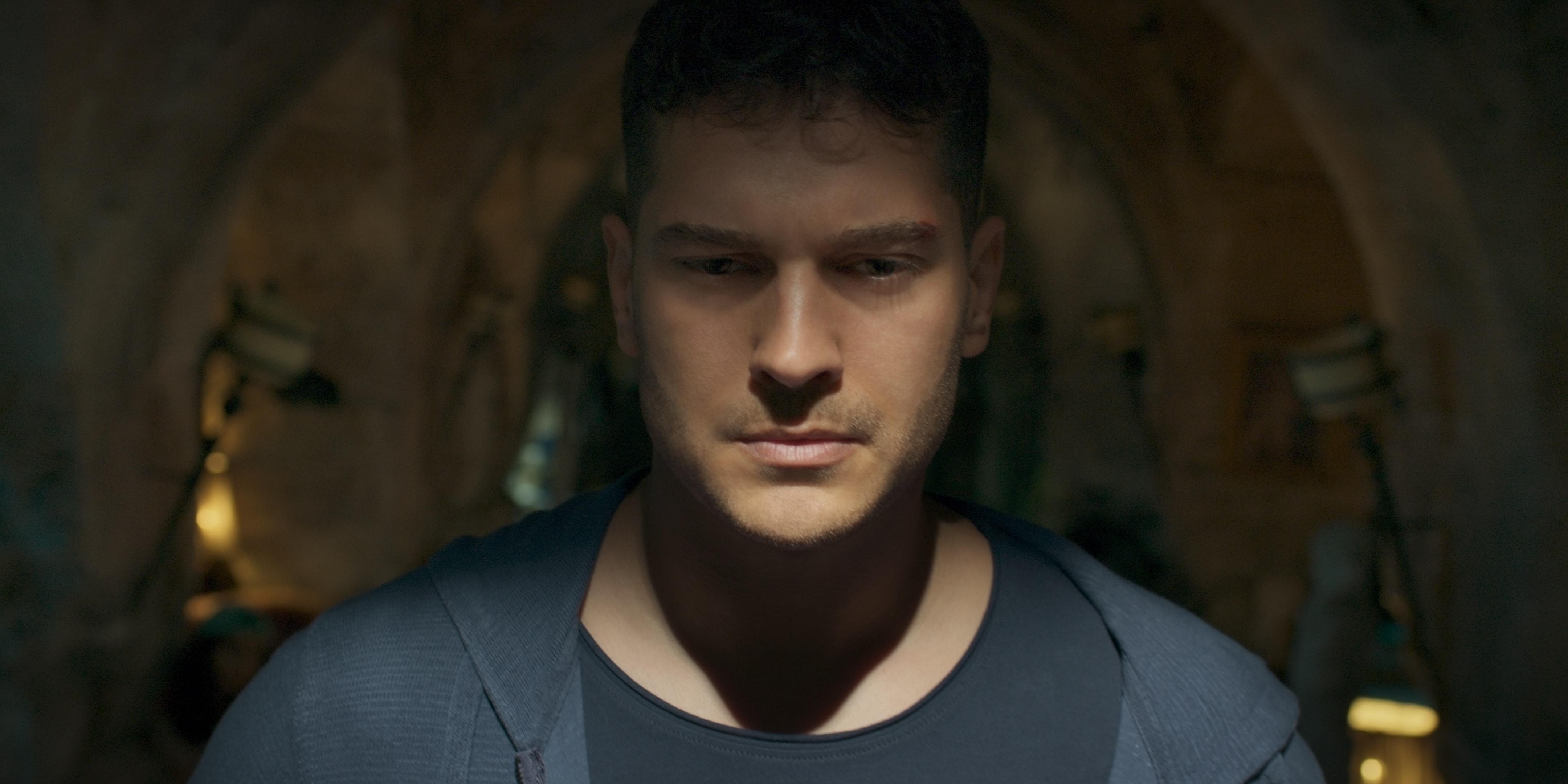 Netflix'in ilk Türk Dizisi Hakan: Muhafız'ın 2. Sezon Yayın Tarihi Belli Oldu