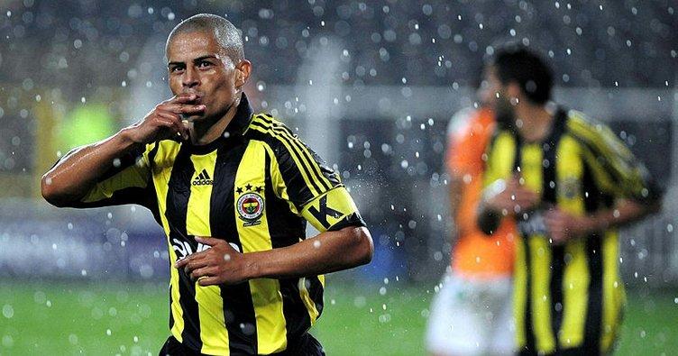 Fenerbahçe'nin YouTube'daki Serisinin İlk Konuğu Alex de Souza