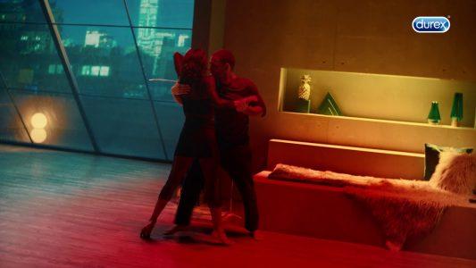 Durex Yeni Ürünü Maraton'un Reklam Filminde 'Sakın Gelme' Diyor