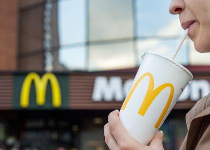McDonald's'ın Plastik Pipetleri, eBay'de Binlerce Sterline Satılıyor