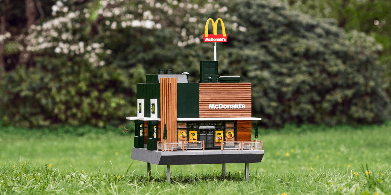 Dünyanın En Küçük McDonald's'ı Binlerce Arıya Yuva Oldu