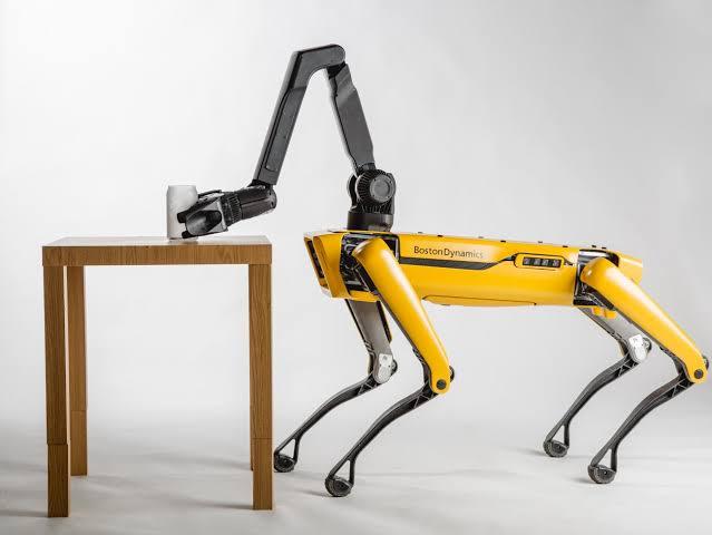 Boston Dynamics Spot Adındaki Ticari Robotunu Yakında Satışa Sunacak