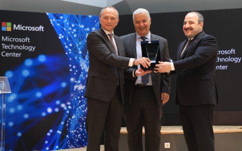 Türkiye'deki Yatırımlarını Hızlandıran Microsoft, Teknoloji Merkezi'ni İstanbul'da Açtı