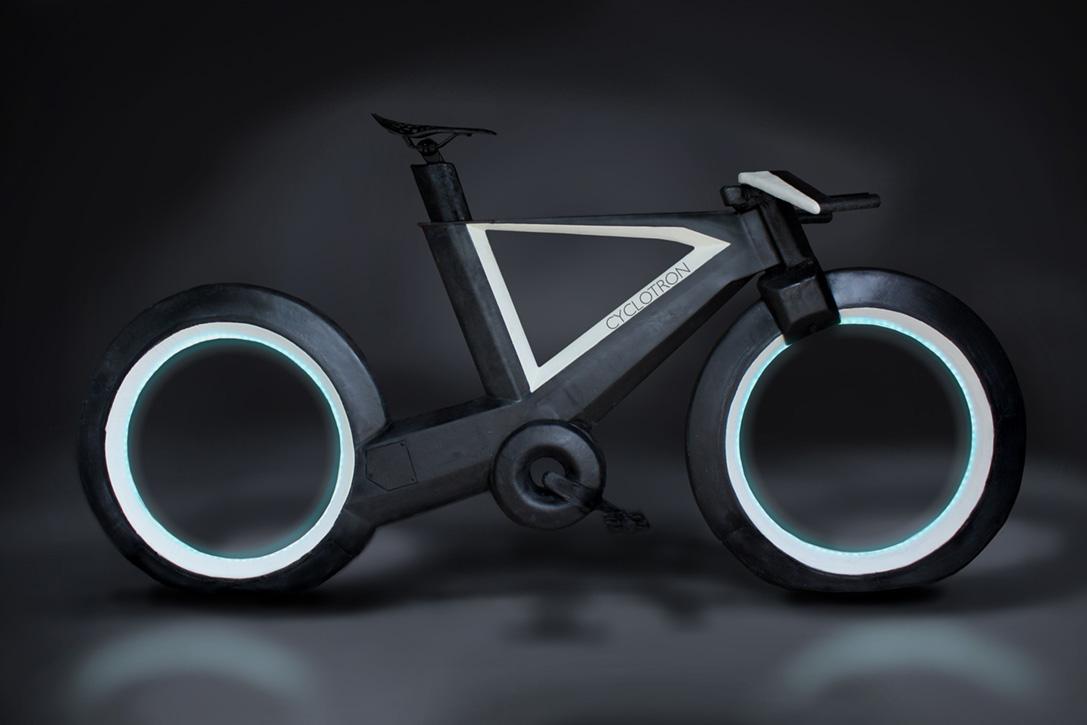 Bilimkurgu Filmlerinden Fırlayan Bir Bisiklet: Cyclotron