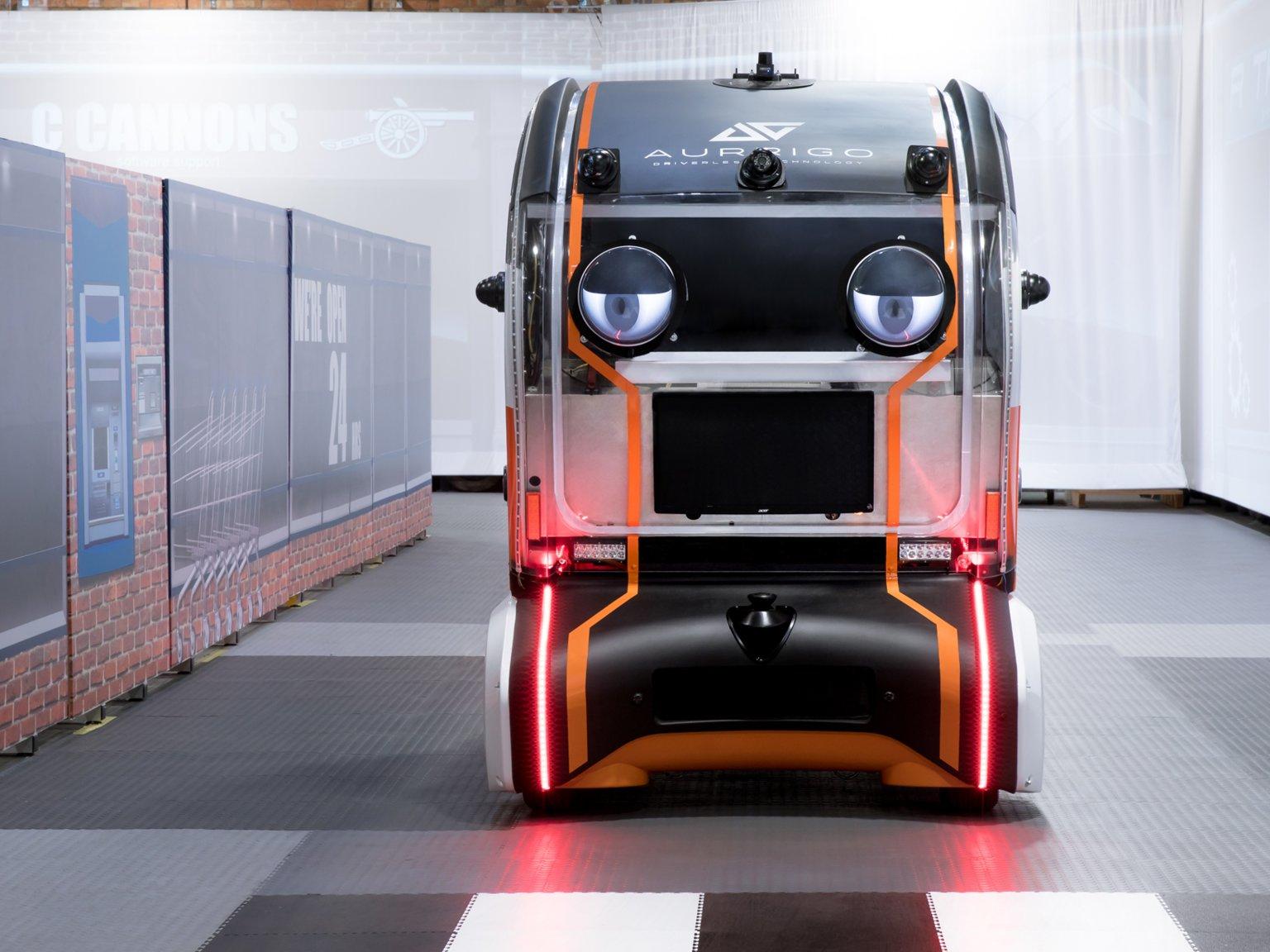 Jaguar Land Rover, İnsanların Güvenini Artırmak İçin Otonom Aracına Göz Ekledi