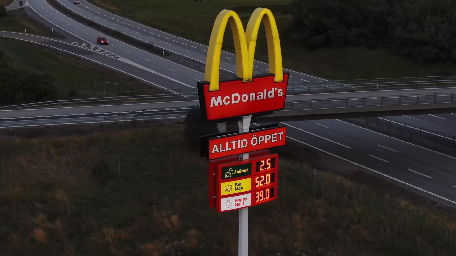 McDonald's, Müşteri Çekmek İçin Şubelerine Elektrikli Araç Şarj İstasyonları Kurdu