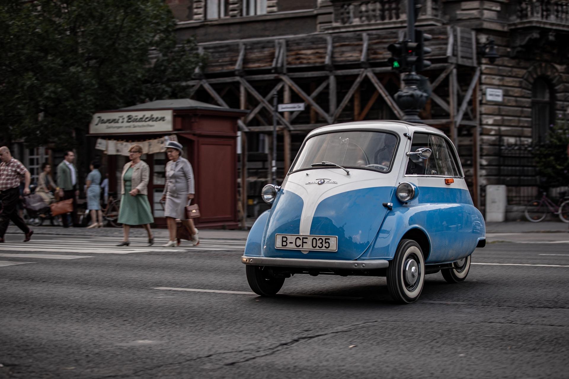 BMW'den Berlin Duvarı'nın Yıkılış Yıldönümüne Özel Küçük Bir Kaçış Filmi