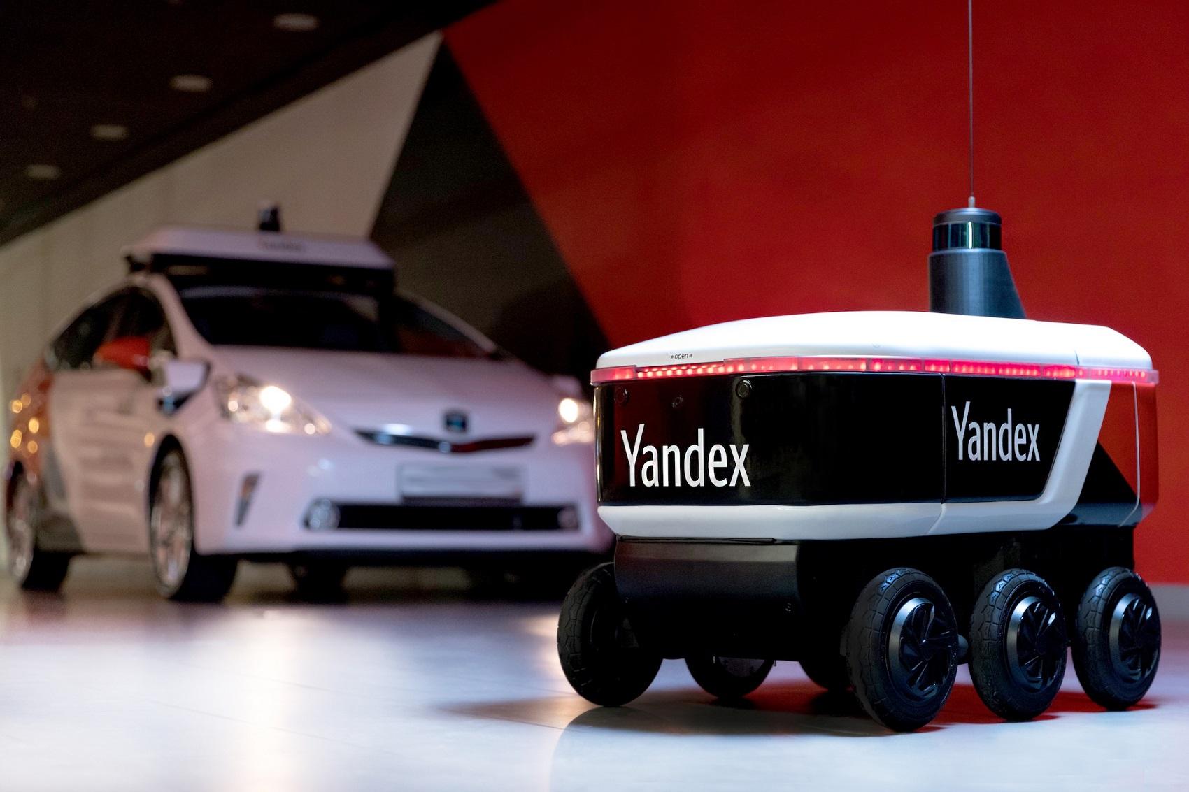 Yandex'in Yeni Teslimat Robotu Yandex.Rover Test Sürüşlerine Başladı