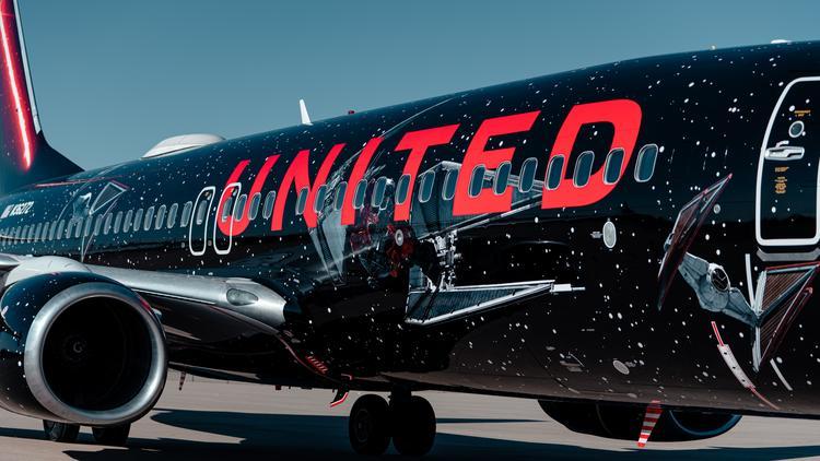 United Airlines'ın Star Wars Temalı Uçağı İlk Uçuşunu Gerçekleştirdi