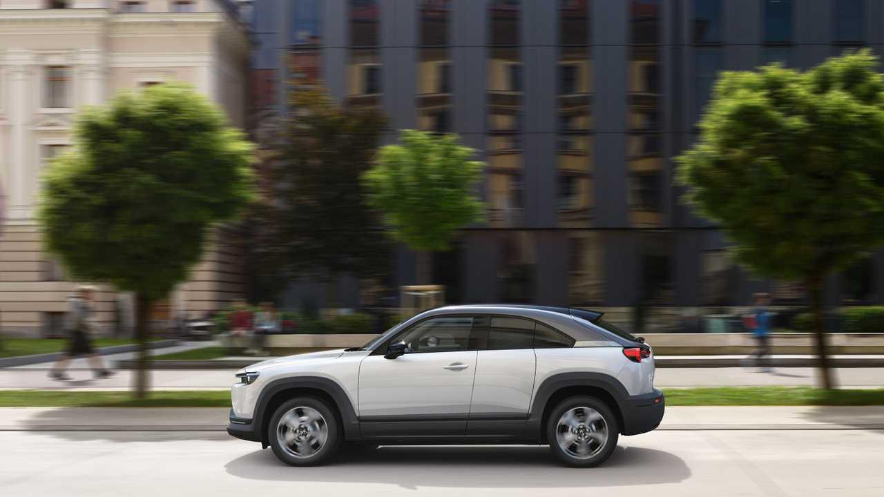 Mazda, Uzun Menzilli Elektrikli Otomobillerin  Çevreye Daha Zararlı Olduğunu İddia Etti