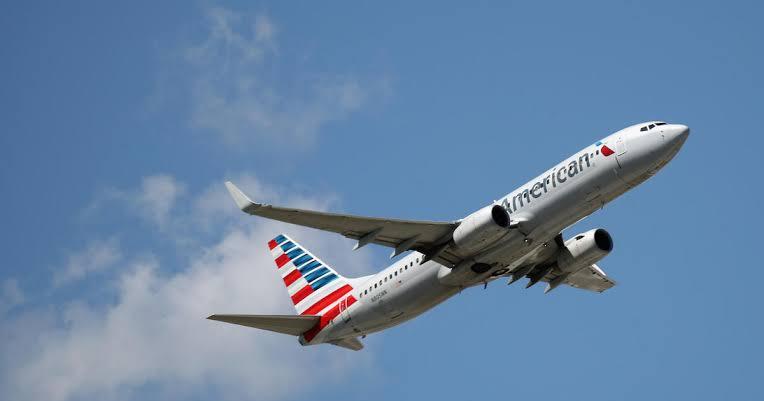 American Airlines Artık  Yolcularına Cinsiyet Bağımsız Rezervasyon Seçeneği Sunuyor