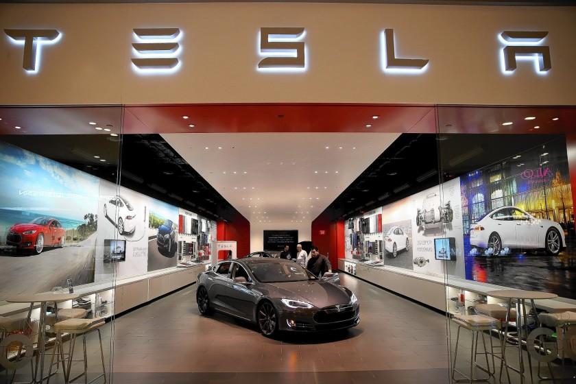 Tesla'ya Kaliforniya'daki Fabrikasını Kapatma Emri Geldi