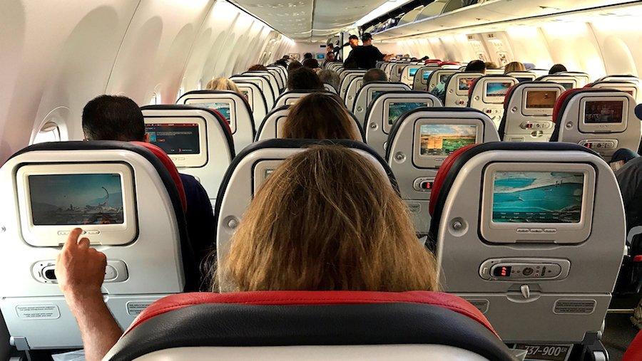 Havayolu Şirketleri Orta Koltuk Seçeneğini Kaldırıyor