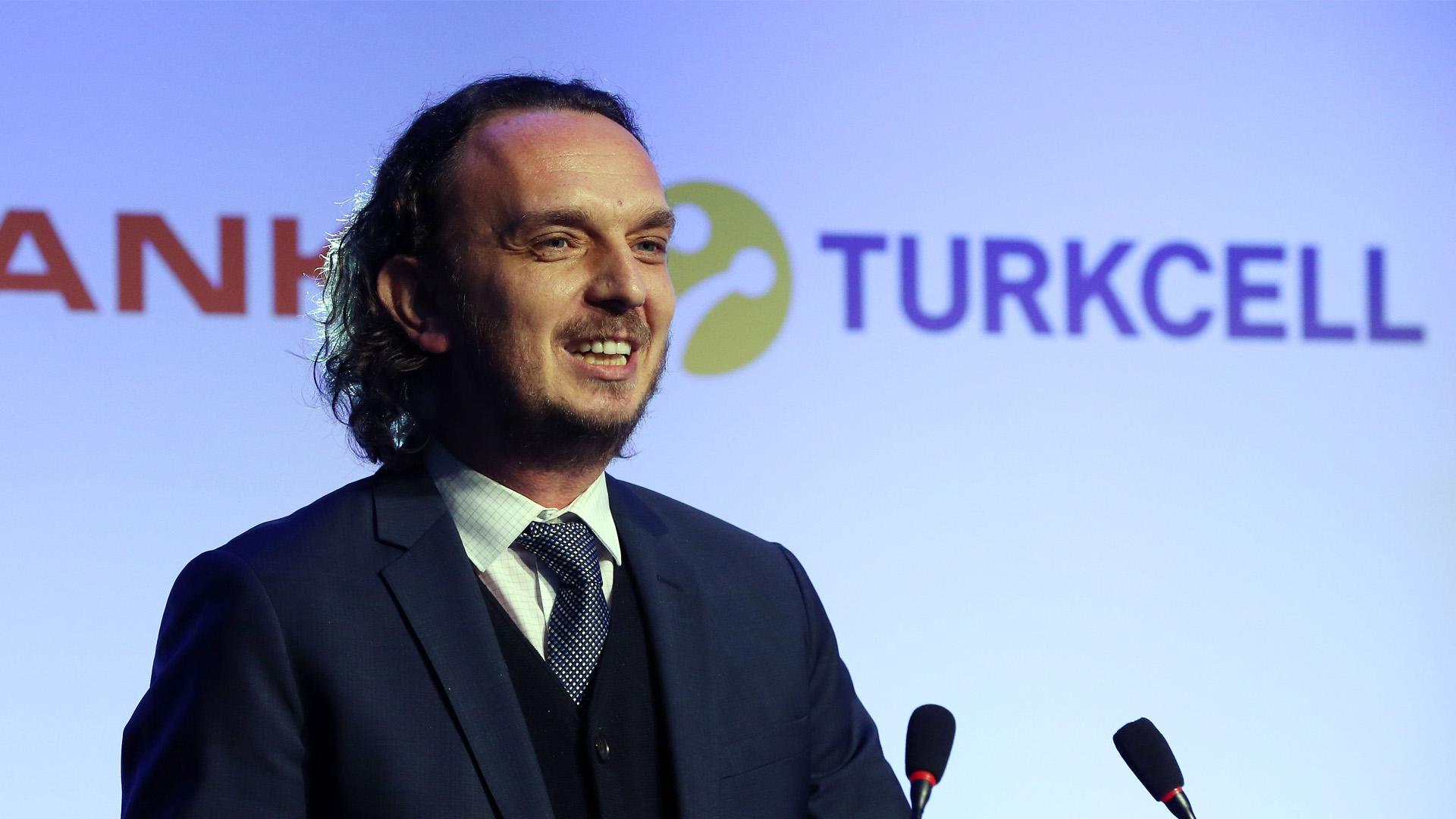Turkcell CMO'su Ömer Barbaros Yiş Görevinden Ayrıldı