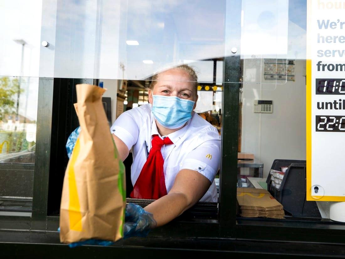 McDonald's Restoranlarında Maske Takma Zorunluluğu Getirildi