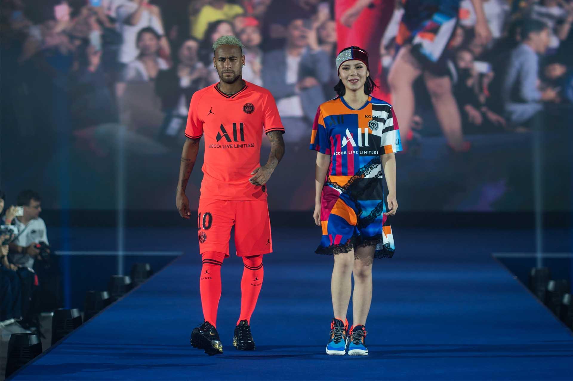 PSG ve Nike İş Birliğinin Ürün Pazarlamasına Yansımaları