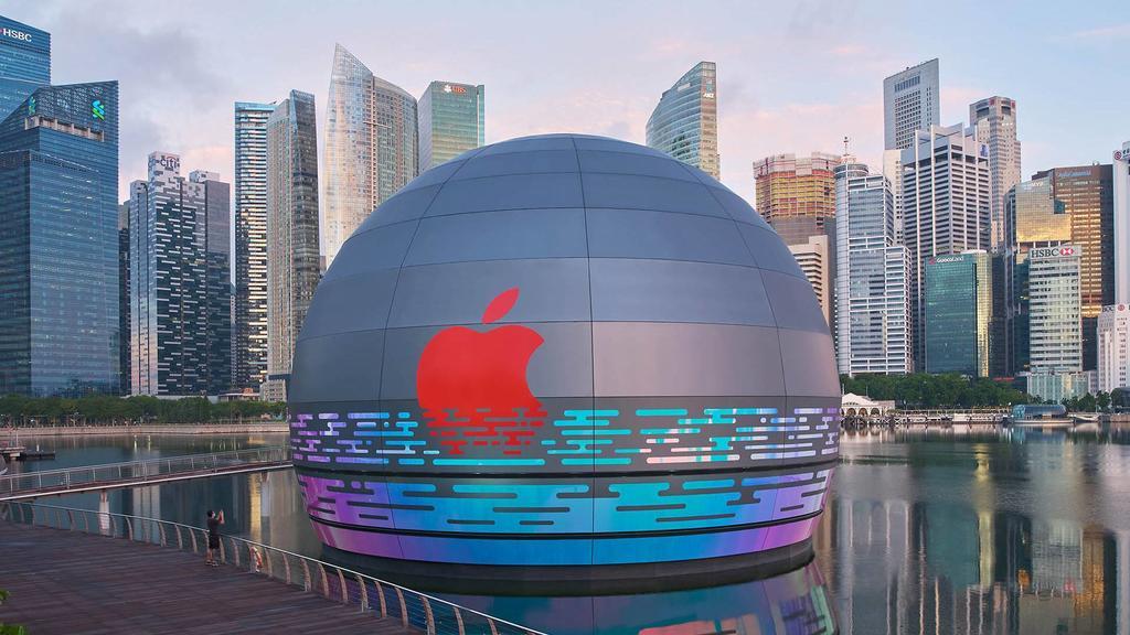 Apple, Su Üstünde Yer Alan İlk Mağazasını Açıyor