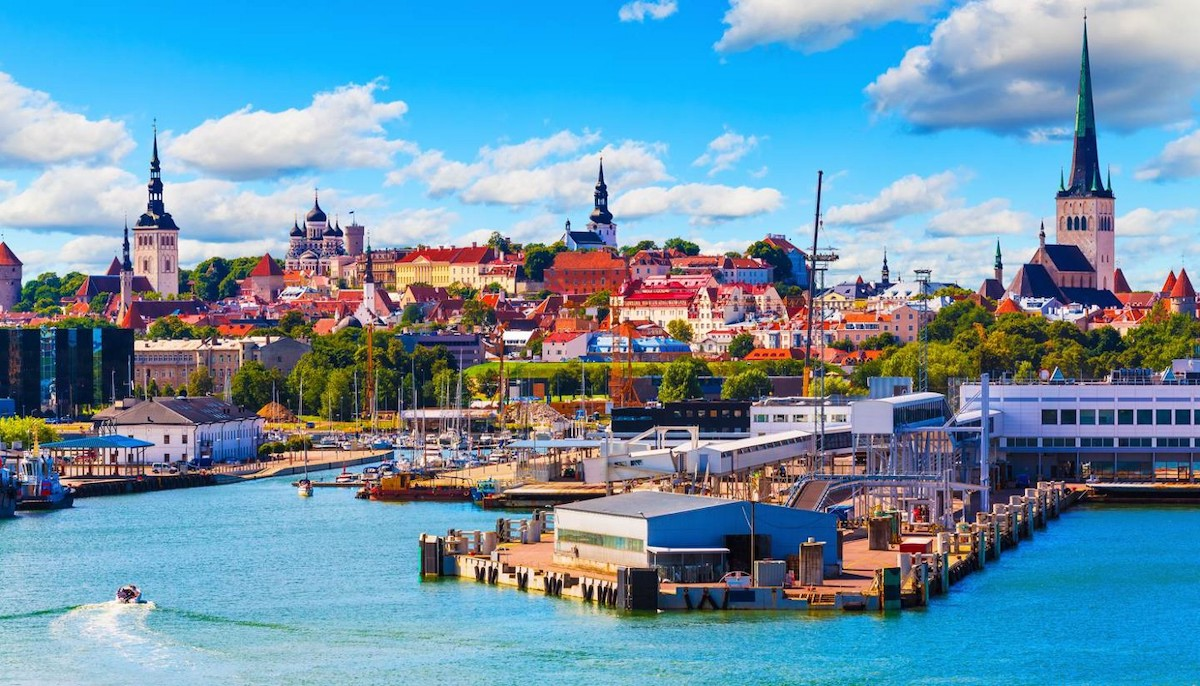 """Estonya, Uzaktan Çalışanlar İçin """"Dijital Göçebe Vizesi"""" Çıkarıyor"""
